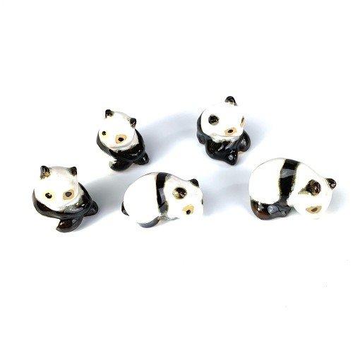 Figura oso panda de cerámica china formas variadas  de 3 cm.